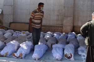 Masakra w Syrii. Kilkaset os�b nie �yje, w tym kobiety i dzieci. Dyktator u�y� gazu?