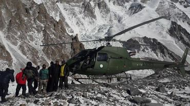 Adam Bielecki, Denis Urubko i Piotr Tomala wrócili  do bazy pod K2