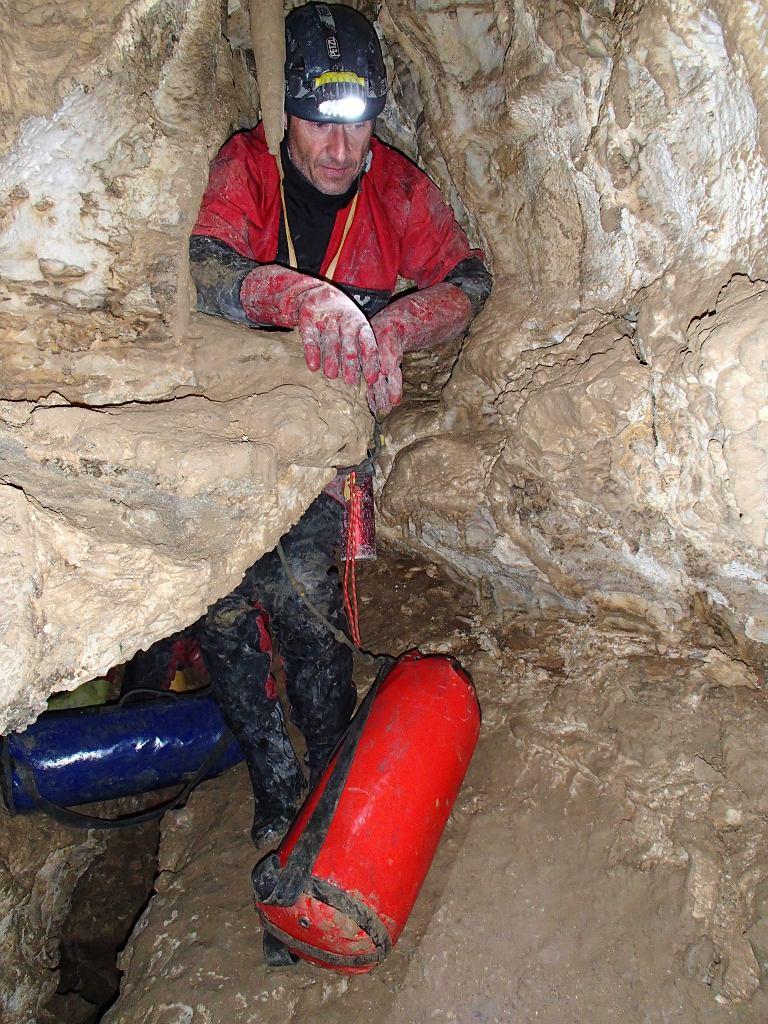Zdjęcia z wyprawy do jaskini Krubera-Voronia w 2012 roku
