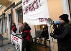 """Pikieta Inicjatywy Pracowniczej:  """"Nie łam strajku dla Starbucksa"""""""