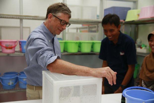 """Bill Gates umieszcza to zdj�cie na Reddicie. """"Musia�em nakarmi� najbardziej zab�jcze zwierz�ta na �wiecie"""""""