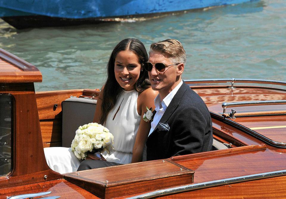Zdjęcie numer 2 w galerii - Bastian Schweinsteiger i Ana Ivanović pobrali się! Lewandowski gratuluje [ZDJĘCIA]
