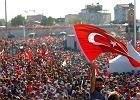 Setki tysięcy ludzi demonstrowały na placu Taksim w Stambule