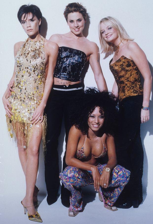 Zdjęcie numer 15 w galerii - Mel C ze Spice Girls na spacerze z córką. Skóra zdjęta! Nie wierzycie? Scarlett wygląda zupełnie jak mama