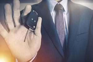 Kupujemy nowy samochód - jak wybrać kredyt samochodowy?