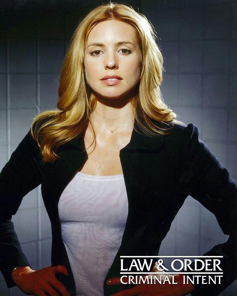 Olivia d'Abo jako Nicole Wallace w serialu 'Prawo i porządek: Zbrodniczy zamiar' / fot. dzięki uprzejmości Olivii d'Abo