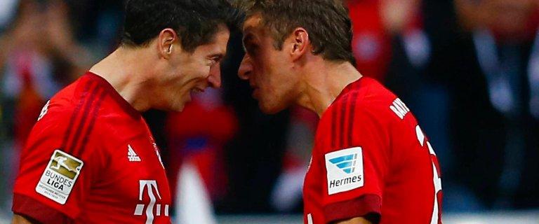 Dwa gole i kolejne rekordy Lewandowskiego. Bayern rozstrzela� Borussi�. A mia� by� hit...