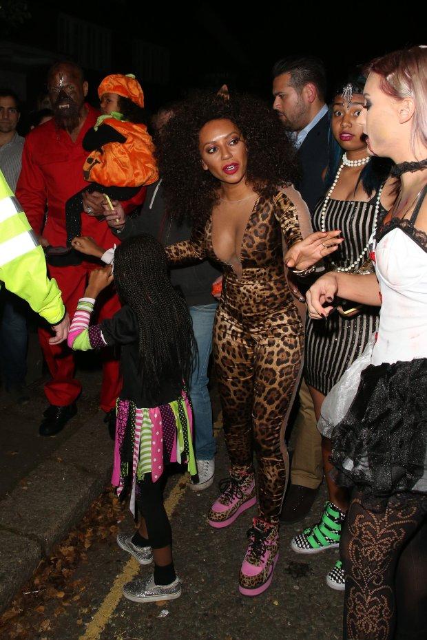 Zdjęcie numer 5 w galerii - Też mamy już dość tematu Halloween. Ale Mel B przebrała się za... Mel B sprzed lat! I naprawdę trzeba to zobaczyć