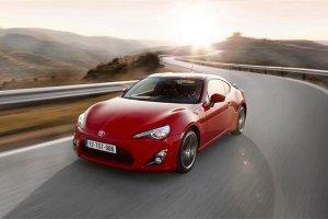 Toyota rozpoczyna wyprzeda� rocznika 2014