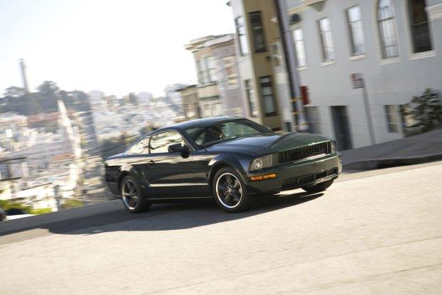 2008 Ford Mustang Bullit - wzorem filmowego pierwowzoru pozbawiony był wszelkich oznaczeń modelowych