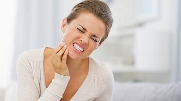 Ból zębów oraz głowy, a także napięcie mięśni twarzy, nawet zaraz po obudzeniu, to znak, że możemy cierpieć na chorobę okluzyjną.