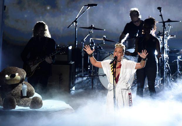 Ogromne wyróżnienie spotkało amerykańską piosenkarkę Pink. Już 4 lutego 2018 artystka zaśpiewa hymn Stanów Zjednoczonych przed finałem rozgrywek NFL Super Bowl.