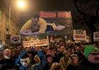 W�grzy przeciw Orbánowi. To przestroga dla Kaczy�skiego