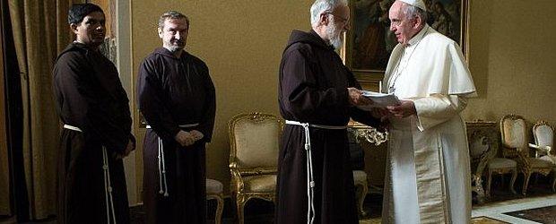 Franciszkanie zbankrutuj�? Utopili miliony euro w hotel w Rzymie i... w firmy handluj�ce broni�