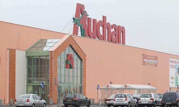 ac84303af793 Hipermarketowy miszmasz. Komu Auchan sprzedał osiem sklepów