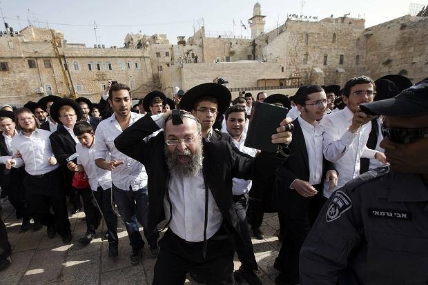 Ultraortodoksyjni Żydzi protestowali przeciwko modlitwie kobiet pod Ścianą Płaczu. Obyło się jednak bez incydentów