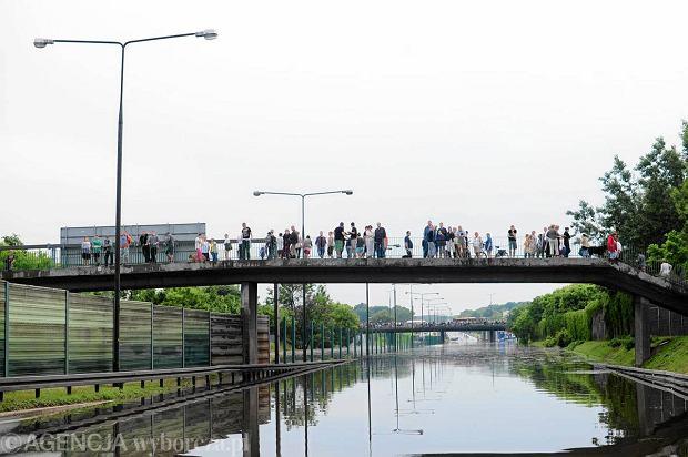 Po ulewie zamkni�te wa�ne ulice w stolicy. Sprawd�, kt�re