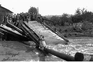 Gdy domy rzekami płynęły. Powódź stulecia w Małopolsce [ZDJĘCIA ARCHIWALNE]
