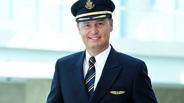Marcin Taworski, jeden z kilku Polaków latających w Emirates największym samolotem świata - Airbusem A380