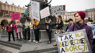 Pikieta przeciwników wprowadzenia zakazu aborcji w Krakowie