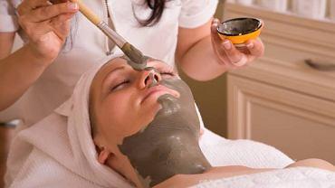 Jedną z metod leczenia przebarwień na skórze jest tzw. zabieg Cosmelan