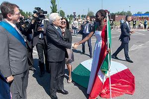 """Włochy chcą """"usynowić"""" imigrantów"""