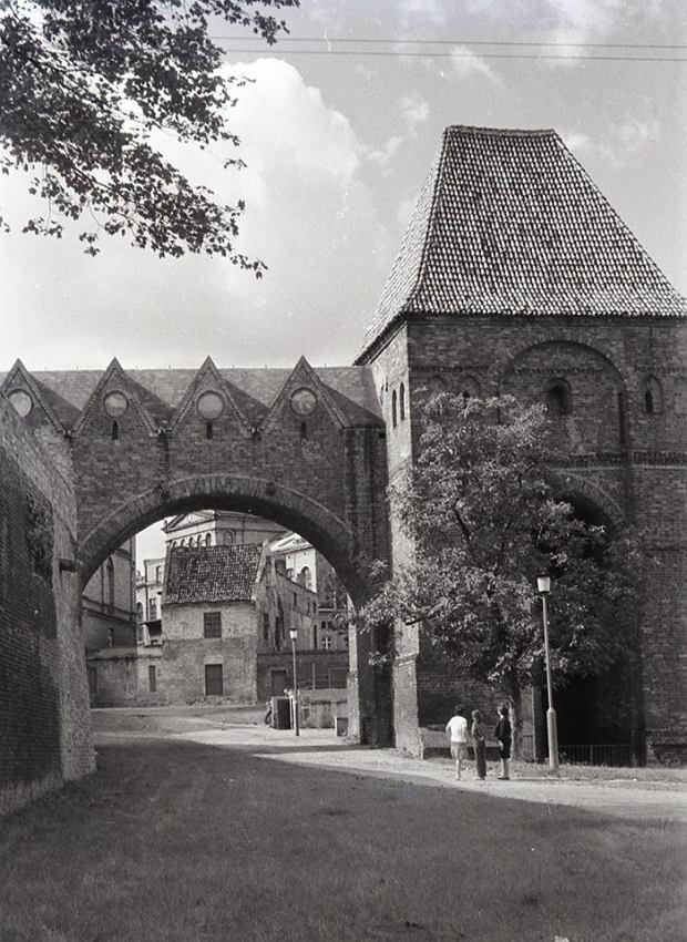 Zdjęcie numer 12 w galerii - Pamiętacie taki Toruń? Miasto na kliszach sprzed lat [ZDJĘCIA]