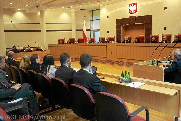 Zaskar�enie nowej ustawy o TK mo�e sparali�owa� prace Trybuna�u Konstytucyjnego i pozbawi� go wiarygodno�ci w oczach opinii publicznej