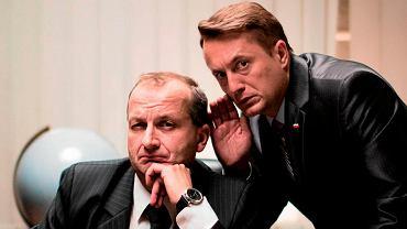 'Ucho Prezesa'. Robert Górski w roli prezesa oraz Mikołaj Cieślak w roli jego bliskiego współpracownika Mariusza