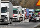 Ministerstwo reaguje na karambole na A1. Ciężarówka już nie wyprzedzi drugiej ciężarówki?