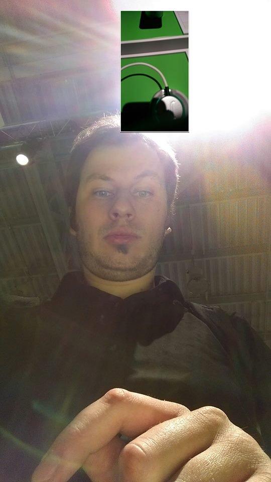 Selfie wykonane frontalnym aparatem HTC One M8 w trybie Duo Camera