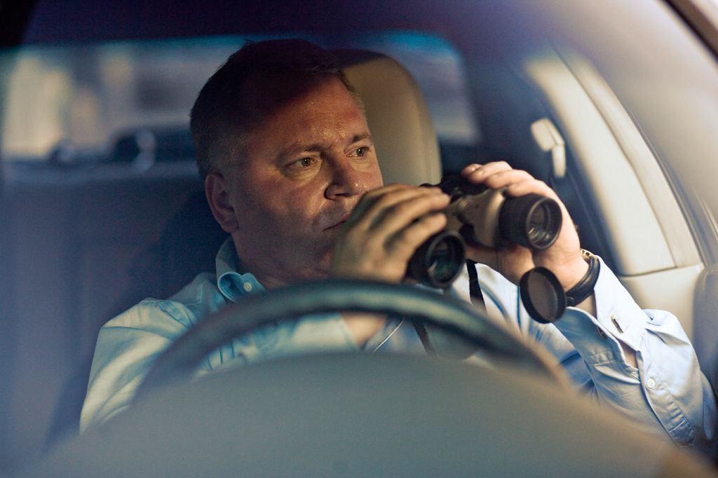 Gadżety przydają się detektywowi, gdy pracuje nad udowodnieniem zdrady (fot. Roman Chełmowski)