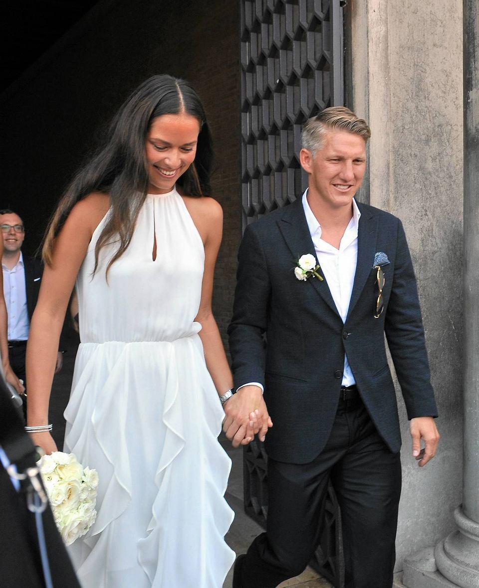 Zdjęcie numer 7 w galerii - Bastian Schweinsteiger i Ana Ivanović pobrali się! Lewandowski gratuluje [ZDJĘCIA]