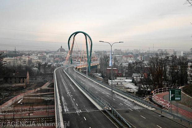 10.12.2013 Bydgoszcz . Trasa Uniwersytecka na dwa dni przed otwarciem . Fot. Tymon Markowski / Agencja Gazeta