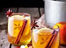 Miód pitny na gorąco z przyprawami korzennymi i jabłkami - ugotuj