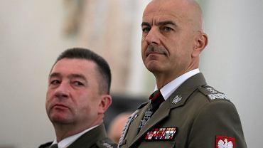 Generał Rajmund Andrzejczak (na pierwszym planie)