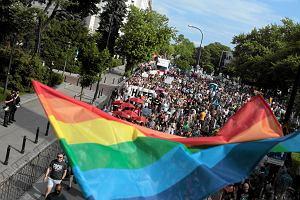Gdzie w Polsce gej mo�e by� sob�?
