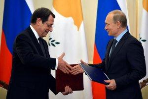 Cypr podpisa� z Rosj� porozumienie. Rosyjskie okr�ty b�d� mile widziane w cypryjskich portach
