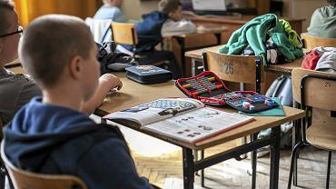 Uczniowie podczas lekcji w jednej z krakowskich szkół podstawowych (fot. Jakub Ociepa / Agencja Gazeta / zdjęcie ilustracyjne)