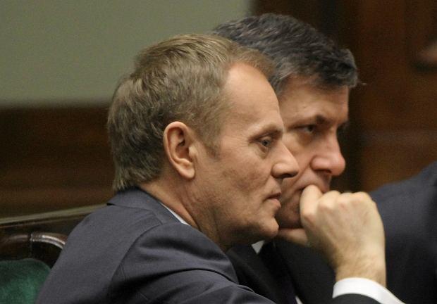 Na pierwszym planie Donald Tusk, w tle Janusz Piechociński