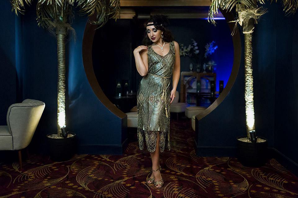46d8cbc451 Sylwester w stylu retro  suknie balowe oraz sukienki inspirowane ...
