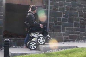 Toyota pracuje nad przełomowym wózkiem dla niepełnosprawnych