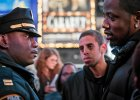 Eric Garner zgin��, bo by� czarny? Kolejna ofiara policji, t�um wyszed� na ulice Nowego Jorku