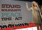 """Sharon Stone odebra�a Nagrod� Pokoju: Gdyby nie Elizabeth Taylor, dalej by�my m�wili """"AIDS"""" szeptem"""