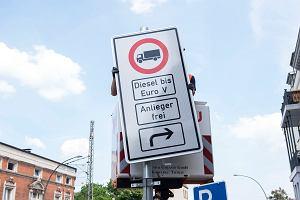 Hamburg zakazuje starym dieslom wjazdu do centrum. Producenci aut nie będą zadowoleni. Angela Merkel też