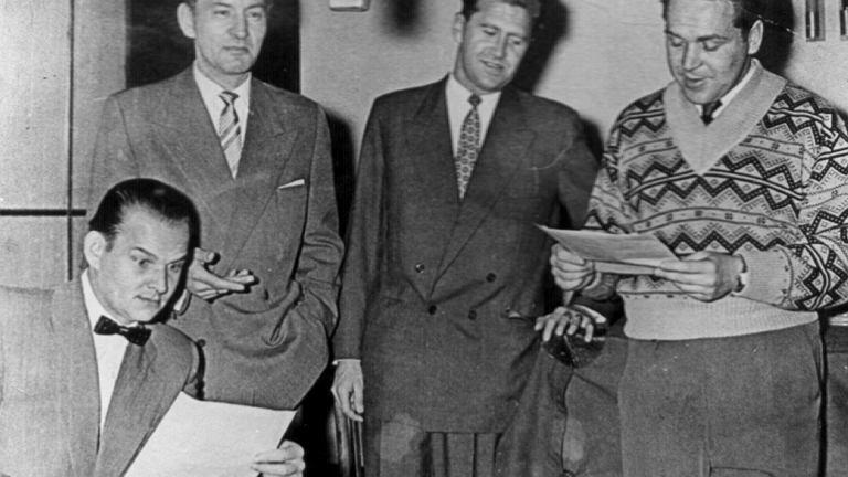 Redakcję sportową Radia Katowice tworzyli w 1957 roku (od lewej) Witold Dobrowolski, Roman Paszkowski, Jan Ciszewski oraz Władysław Wiecierzyński (siedzi). Te nazwiska znał wtedy każdy kibic na Śląsku i w Zagłębiu