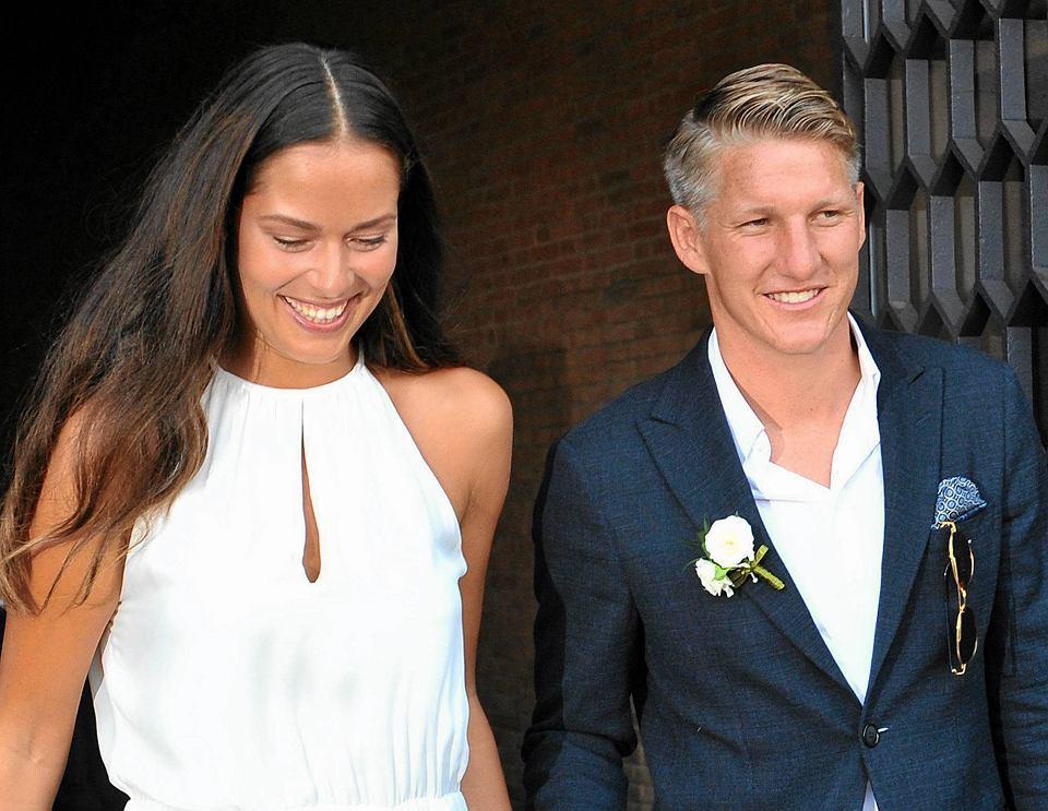 Zdjęcie numer 0 w galerii - Bastian Schweinsteiger i Ana Ivanović pobrali się! Lewandowski gratuluje [ZDJĘCIA]