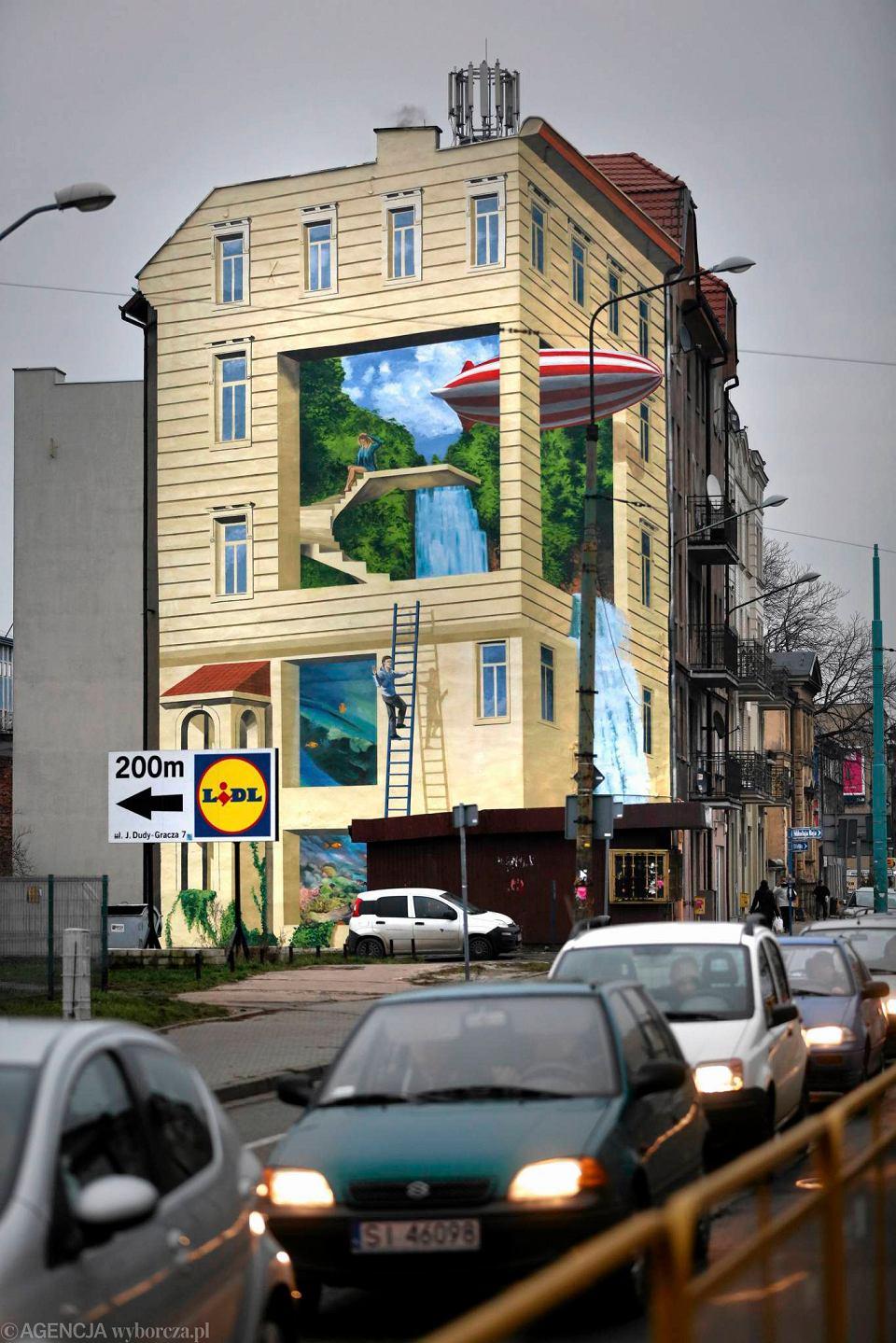 Katowice ale pi kny mural sterowiec wylatuje z kamienicy for Mural na tamie w solinie