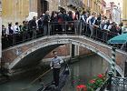 """Strażnicy przyzwoitości na patrolach w Wenecji. Będą pilnować, czy turyści """"szanują miasto"""""""
