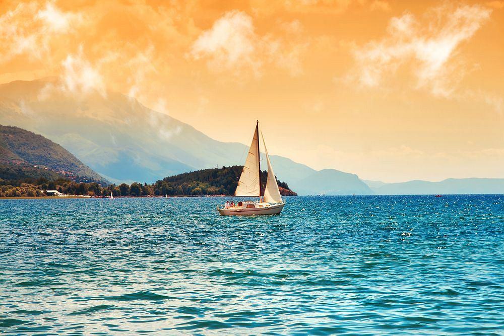 Macedonia. Jezioro Ochrydzkie / shutterstock
